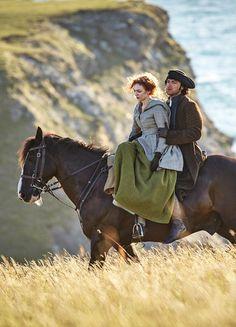 Eleanor Tomlinson & Aidan Turner in 'Poldark' (2015).