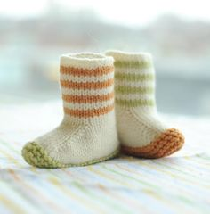 These would make a fun and adorable gift for any baby!The booties shown were knit in Chickadee by Quince & Co., shades Egret, Apricot and Leek. Substitute yarns are recommended below.