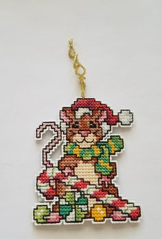 Cross Stitch Christmas Ornaments, Xmas Cross Stitch, Beaded Cross Stitch, Christmas Cross, Diy Christmas Gifts, Handmade Christmas, Cross Stitching, Cross Stitch Embroidery, Cross Stitch Patterns