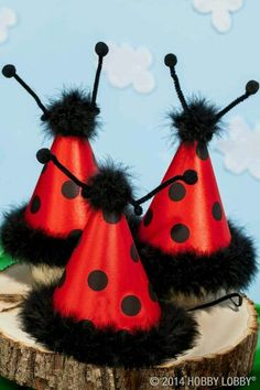 It's time for a ladybug party! These adorable headbands and party hats make spring parties even more fun. - Hobby Lobby - pic only Birthday Fun, First Birthday Parties, Birthday Party Themes, Frozen Birthday, Birthday Ideas, Miraculous Ladybug Party, Ladybug 1st Birthdays, Ladybug Picnic, Ladybug Girl