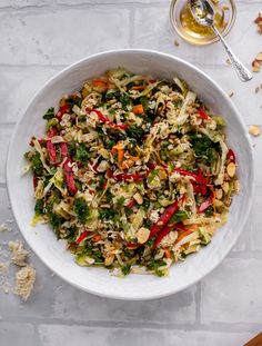 This ramen noodle crunch salad is the perfect make ahead party salad! It's full of sesame flavor and super crunchy. It's a huge hit! Healthy Salad Recipes, Vegetarian Recipes, Cooking Recipes, Party Salads, Ramen Noodles, Asian, Summer Salads, Big Salads, Summer Food