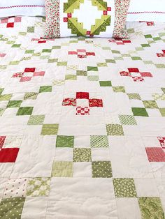 Traditional quilting patterns nine patch 17 ideas for 2019 Christmas Quilt Patterns, Christmas Sewing, Christmas Quilting, Christmas Patchwork, Scrappy Quilts, Baby Quilts, House Quilts, Star Quilts, Quilting Projects
