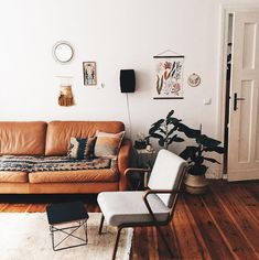 my scandinavian home: mid-century touches in the lovely, relaxed home of Berlin DIY blogger Laetitia Delorme.