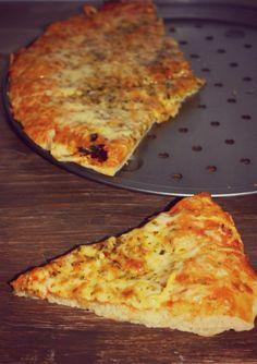 PIZZA CUATRO QUESOS CON MOZZARELA http://wwwreposteriabego.blogspot.com.es/2015/03/pizza-cuatro-quesos-con-mozzarela.html?m=1