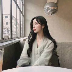 Damn I sure wish I could look like that Pretty Korean Girls, Cute Korean Girl, Pretty Asian, Cute Asian Girls, Beautiful Asian Girls, Mode Ulzzang, Ulzzang Korean Girl, Ulzzang Fashion, Korean Fashion