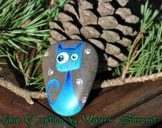 Galet peint à la main - Chat bleu / Hand painted pebble - Sweet blue cat - Modifier une fiche produit - Etsy