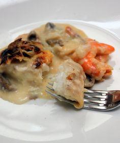 Gratin de poisson aux crevettes et champignons (testé avec la sauce au cidre au lieu de la béchamel et 2 poireaux au lieu des champignons)
