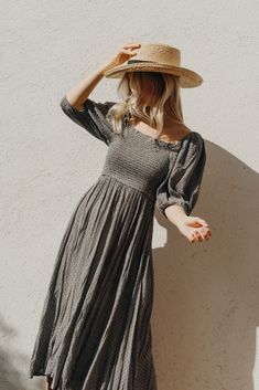 Bohemian Lifestyle, Bohemian Style, Sweatpants Chic, Boho Fashion, Vintage Fashion, Earthy Style, Sweet Dress, Black Media, Trendy Dresses