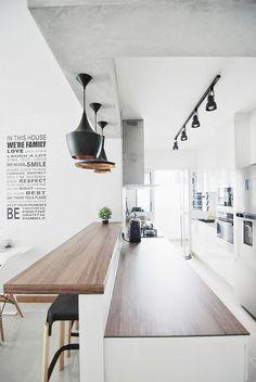 Interior design Concept Words, 3 Ultimate Tips to Build Scandinavian Kitchen Design Interior Kitchen Bar Counter, Breakfast Bar Kitchen, Breakfast Bars, Counter Top, Breakfast Bar Lighting, Bar Counter Design, Kitchen Benches, Kitchen Living, New Kitchen