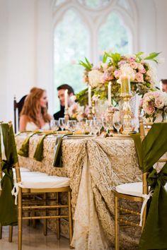 Beautiful table linen treatment. Event Design by tamaramenges.com