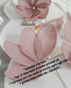 Irish lace Irish crochet flower motives, off white flower applique, Irish crochet decor, wedding dec Fabric Roses, Needle Lace, Irish Lace, Bargello, Irish Crochet, Handmade Flowers, Crochet Flowers, Needlework, Diy And Crafts