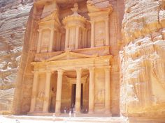 Petra, Jordan by Tarinoita Maailmalta travel blog. An amazing place, but be warned; other archaeological  sites can never compare..