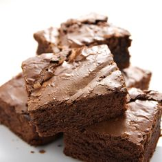 Kathie Lee & Hoda were joined by Judi & Shari Zucker, who shared recipes for allergy-free snacks for kids like Carob Fudge Brownies Recipe. Fudge Brownies, Avocado Brownies, Chocolate Brownies, Chocolate Chips, Baking Chocolate, Homemade Brownies, Flourless Brownie, Zucchini Brownies, Healthy Brownies