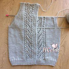 No photo description available. Crochet Coaster Pattern, Knit Vest Pattern, Erdem, Baby Knitting Patterns, Knit Crochet, Diy And Crafts, Tops, Women, Stitches