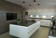 Realizacja miesiąca: najlepsza kuchnia czerwca - kuchnieportal.pl Küchen Design, Kitchen Island, House, Home Decor, Homes, Ideas, Island Kitchen, Decoration Home, Home