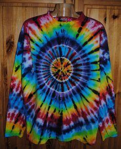 Tričko+L+-+Slunce+v+duze+Originální,+pánské,+batikované+tričko+velikost+Ls+dlouhým+rukávem,+106+cm+přes+prsa,72+cm+délka.+100%+bavlna.+Barveno+kvalitními+reaktivními+barvami,+praní+doporučuji+v+ruce+kvůli+zaprání+bílé+či+světlých+barev.+100%+bavlna180+g/m2+Možno+vyzkoušet+a+vyzvednout+v+Brně.