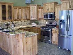 50 Ideas Kitchen Paint Colors With Hickory Dining Rooms For 2019 Kitchen Cabinets And Backsplash, Discount Kitchen Cabinets, Hickory Kitchen Cabinets, Small Kitchen Cabinets, Kitchen Cabinet Styles, Kitchen Ideas New House, Kitchen Decor, House Ideas, Kitchen Utensils Store