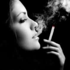 Electronic Cigarettes Available for Free at Fashion Week Event - http://blog.canadianejuiceecigvaporsupply.com/