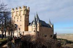 Resultado de imagem para castles