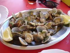 Ameijoas á Bulhão Pato (clams w/garlic, butter, white wine & fresh cilantro) #Portugal
