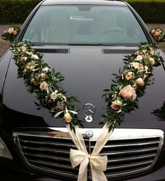 All Details You Need to Know About Home Decoration - Modern Wedding Stage, Diy Wedding, Wedding Flowers, Dream Wedding, Wedding Cars, Wedding Car Decorations, Flower Decorations, Just Married Car, Bridal Car