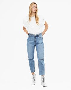 Discover this and many more items in Bershka with new products every week Fall Jeans, Mom Jeans, Women's Jeans, Frayed Hem Jeans, Wide Leg Jeans, Jean Outfits, New Trends, Fashion News