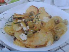 Recept: Brambory pečené se sýrem a olivami   Tradičnírecepty.cz Meat, Chicken, Food, Essen, Meals, Yemek, Eten, Cubs