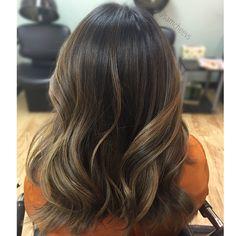 Highlights for brown hair // balayage for dark hair