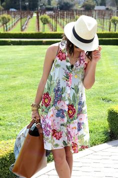 fef3b05da24e From The Shoes Up  Chic wine tasting outfit.  SoleSocietyXStyleSeat Floral  Fashion