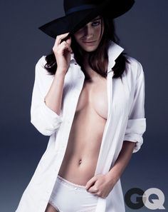 Lizzy caplan gq magazine october 2013 women 04