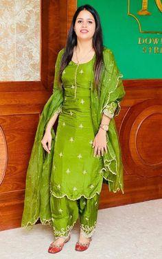 Punjabi Suit Boutique, Punjabi Suits Designer Boutique, Indian Designer Suits, Boutique Suits, Punjabi Suit Neck Designs, Patiala Suit Designs, Pakistani Dress Design, Stylish Dress Designs, Designs For Dresses