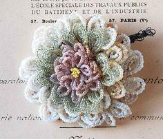 French_Beaded_Flora_files/BeadedFlowers01_2.jpg