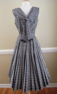 Vintage 1950's 'MARC-EL Fashions of Miami' Black & White Cotton Blend Full Circle Skirt Sun Dress - Back