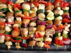 Kuchnia szeroko otwarta: Szaszłyki warzywno-mięsne