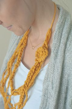 I could finger-knit that!!finger knitting pdf for kids http://api.viglink.com/api/click?format=go=c7a018f99a67aaac33a35421e795cdf3=http%3A%2F%2Frootsandwingskc.smfforfree3.com%2Findex.php%3Ftopic%3D50.0=1=1358421095893=http%3A%2F%2Fcraftsanity.com%2Fpdf%2Fwanderinghenry.pdf=https%3A%2F%2Fwww.google.com%2F=Wandering%20Henry%20(Finger%20Knitting%20Story)=http%3A%2F%2Fcraftsanity.com%2Fpdf%2Fwanderinghenry.pdf=vglnk_jsonp_13584405007873