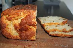 jonnie@home: Heerlijk Kwarkbrood uit de broodbakmachine! Bread Machine Recipes, Bread Recipes, Baking Recipes, Beignets, Bread And Pastries, Pastry Recipes, Group Meals, Bread Baking, Diy Food