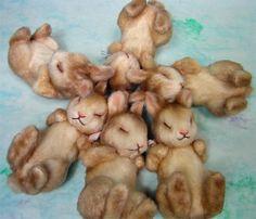 R. John Wright: Flopsy Bunnies Peter Rabbit And Friends, John Wright, Beatrix Potter, Felt Art, Felt Animals, Antique Dolls, Needle Felting, Art Dolls, Bunny