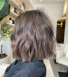 Hair Color And Cut, Haircut And Color, Cut My Hair, Her Hair, Ash Blonde Hair, Brunette Hair, Short Hair Cuts, Short Hair Styles, Corte Y Color