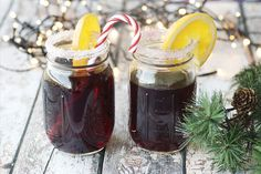 Add some holiday cheer to your Christmas Party with these holiday moonshine recipes. Nothing says Merry Christmas like the gift of moonshine. Homemade Baileys, Baileys Recipes, Peach Pie Moonshine, Cocktail Drinks, Cocktails, Gin, Absolut Vodka, Swedish Recipes, Holiday Drinks
