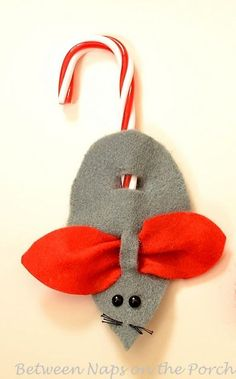 Mice Ornaments or Present Toppers: A Tutorial Just love Christmas mice ideas! How to Make Christmas Mice Ornaments or Present ToppersJust love Christmas mice ideas! How to Make Christmas Mice Ornaments or Present Toppers Candy Cane Crafts, Candy Cane Ornament, Felt Ornaments, Felt Christmas, Simple Christmas, Christmas Holidays, Christmas Decorations, Preschool Christmas, Christmas Ornaments To Make