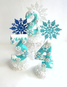 Birthday Cake Topper Number Frozen Snowflakes Ice Cake Number on Etsy, Torte Frozen, Frozen Theme Cake, Frozen Themed Birthday Party, Elsa Birthday, Cool Birthday Cakes, 3rd Birthday Parties, Birthday Cake Toppers, Frozen Cake Topper, Cupcake Toppers