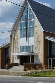 Église Notre-Dame de Lourdes - Timmins Quebec, Ontario, Worship, Bears, Coast, Canada, Cabin, House Styles, City