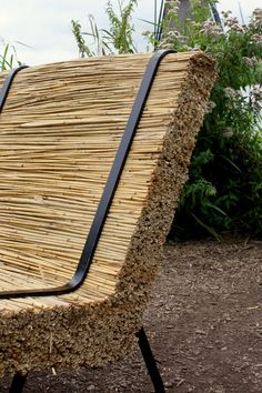 Stoel 'Rhieta' Deze lounge stoel is gemaakt van riet met een frame van zwart staal. Mail of bel voor meer info. Lounge, Wood, Crafts, Outdoor, Design, Airport Lounge, Outdoors, Drawing Rooms, Manualidades