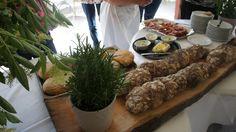 #Südtiroler #Marende frisches Brot und hausgemachte 'Kräuterbutter