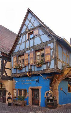 Le village alsacien de Riquewihr, Haut-Rhin, France