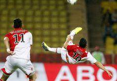 @COLOMBIAN FOOTBALERS: James Rodriguez vs Saint-Etienne (05/10/2013) #SoccerPerformanceTV
