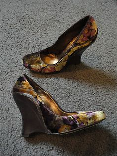 Gorgeous J Vincent Wedge Heels Bohemian Evening Velvet Floral Brown Green Purp 6 1/2M New Without Box $29.99
