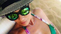 PHOTOS Cristina Cordula: plage et bikini, son selfie joliment sexy