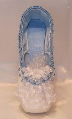 Nutcracker Clara/Marie decorated pointe shoe. by DesignsEnPointe