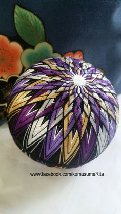 Love the pattern on this one. Quilted Ornaments, Holiday Ornaments, Christmas Crafts, Yarn Crafts, Sewing Crafts, Temari Patterns, Thread Art, Japanese Embroidery, Felt Hearts